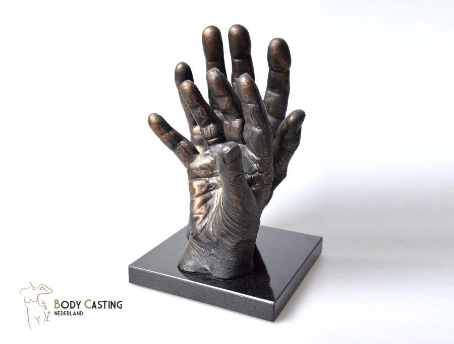 Brons, Handen, Beeld, Bodycasting, brons, handbeeld, handafdruk in brons, real bronze,3d hands, gipshanden, 3d bronzen handen, hand in gips